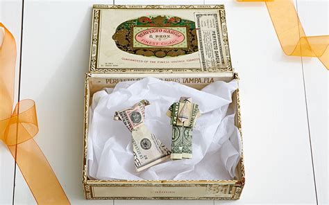 money wedding gift cash and wedding gift etiquette saving advice saving