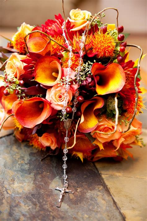 Flower Arrangements For Autumn Wedding by Picture Of Stunning Fall Wedding Bouquets