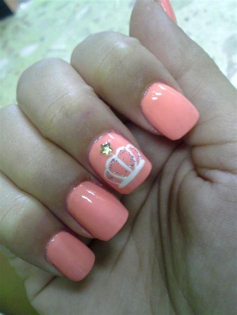 cute nail designs with a crown 25 best ideas about crown nail art on pinterest crown