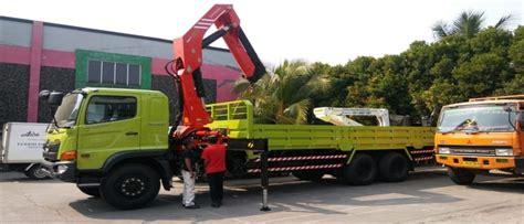 truck crane ptmaligo mas utama  buana group