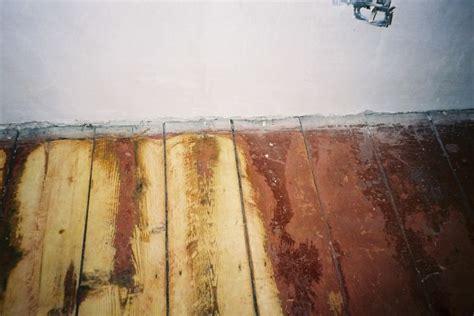 Acrylfarbe Holz Entfernen by Saniermeister Bohnerwachs Holzdielen