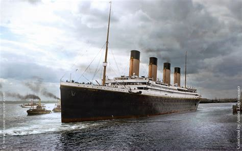 port side of boat is what color the real titanic in color titanic 3d