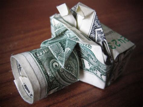 Origami Out Of Dollar Bills - amazing collection of origami made out of dollar bills