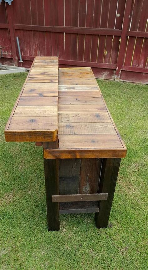 woodwork bar reclaimed pallet wood bar table pallet furniture projects