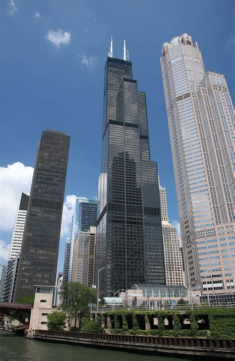 How Many Floors In The Sears Tower by Willis Tower Sold To Blackstone For 1 3 Billion