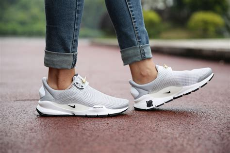 Nike Running Nike Fresto Zipper Premium nike air presto shoes for butikk nu