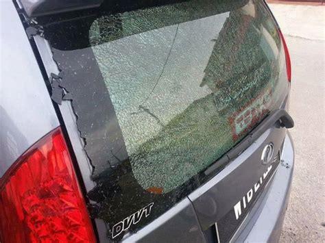 Cermin Tepi Kereta Wira cermin kereta pecah akibat tindakan pemotong rumput