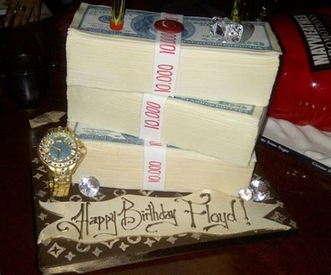 mayweather money stack floyd mayweather s birthday cake of money stacks is quite