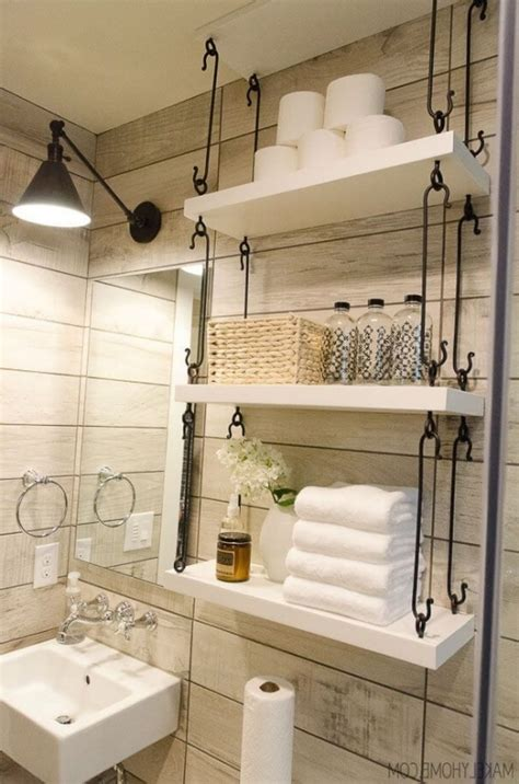 Ideas For Bathroom Wall Decor 25 Best Ideas About Small Bathroom Decorating On