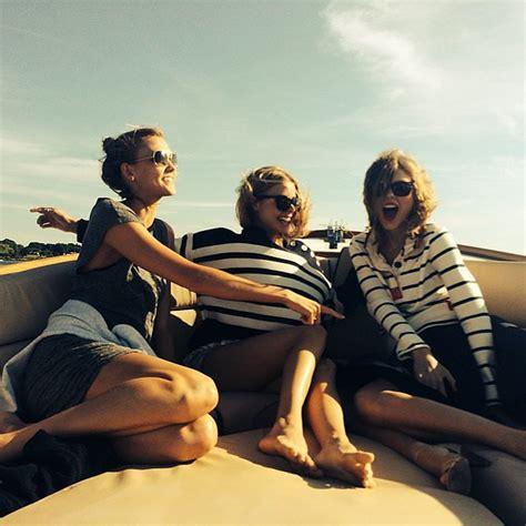 j h taylor boats taylor swift and karlie kloss enjoyed a boat ride