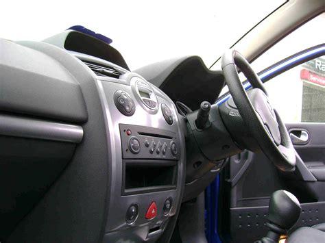 renault megane 2005 interior 2005 renault megane interior pictures cargurus