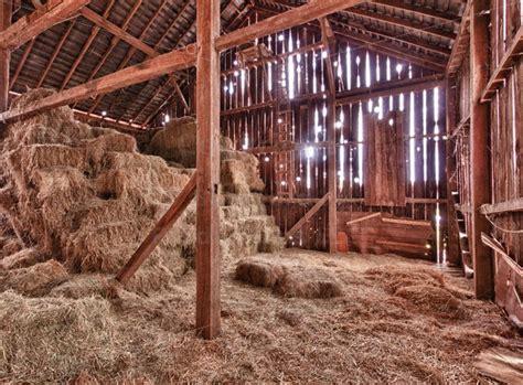 scheune innen interior of barn with straw bales