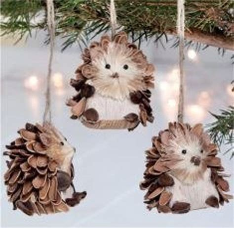pine cone decorating ideas for the holidays pinecone