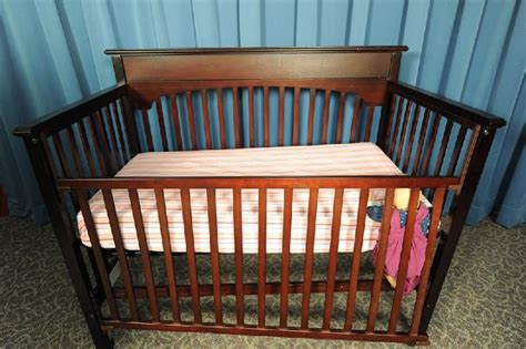 Cpsc Issues Warning On Drop Side Cribs 32 Fatalities In Drop Side Baby Crib