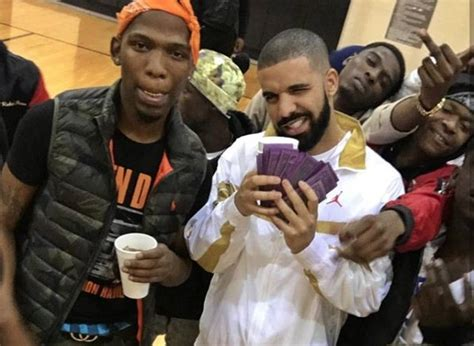 Look Alive W blocboy jb and drake s look alive debuts in billboard