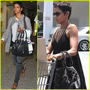 Name Halle Berrys Designer Purse by Featured Photos News And Just Jared Page 4