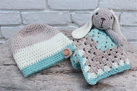 bunny lovey crochet pattern free crochet slouch and bunny lovey free pattern for babies