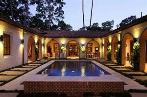 Spanish Style Homes With Interior Courtyards Interior Courtyards Google Search You Re In You Re