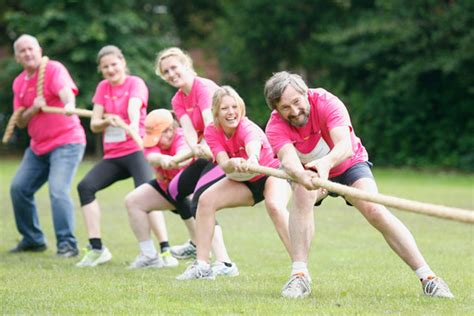 Sports Mba Faculty by Staff Sports Day 2012 Pink Team Geoff Pilkington Uop News
