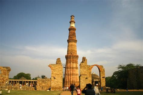 qutub minar biography in hindi tourist point in india about qutub minar delhi india