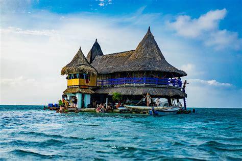 el casa casa en el agua wesidetrip