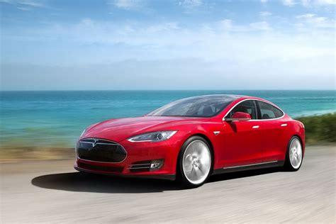 Video: Tesla Model S P85D Shows Ferrari Who's Boss!   GTspirit