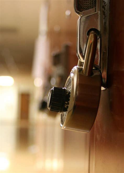 fabbro pavia riparazione serramenti pavia servizio fabbro per