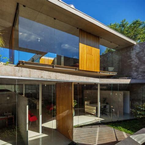 casa en arelauquen estudio ramos plataforma arquitectura casa y estudio en orlandia spbr arquitetos plataforma