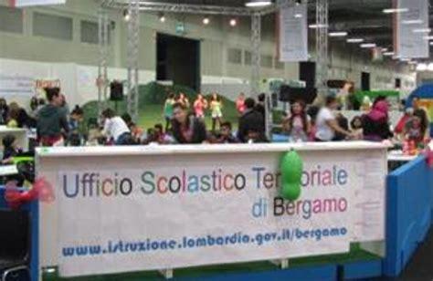 ufficio scolastico regionale bergamo le scuole protagoniste a lilliput uno stand con spettacoli