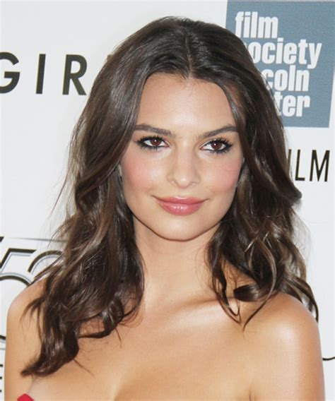 Emily Ratajkowski Long Wavy Casual Hairstyle   Medium