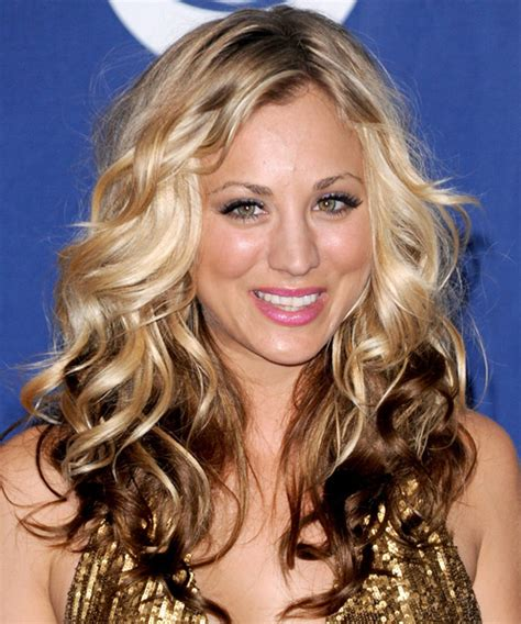 how to get kaley cuoco hairstyle kaley cuoco long wavy casual hairstyle