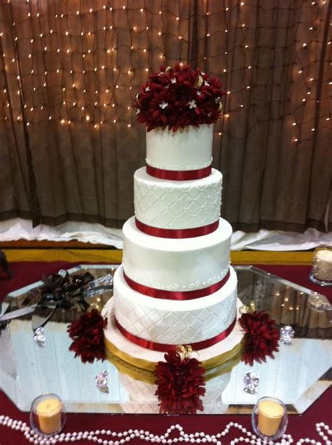 Maroon And White Wedding Cake Cakecentral M