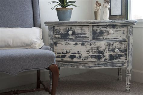 How To Paint White Distressed Furniture by 551 East Tutorial How To Get A Distressed Look With Just Paint