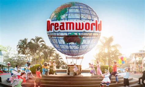 dreams and themes gold coast dreamworld gold coast theme park holiday holiday