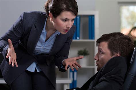 wann ist mobbing mobbing mobbing am arbeitsplatz hilfe behandlung folgen f 252 r
