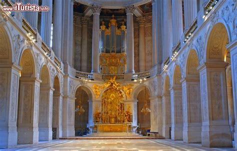 reggia di versailles interno dettaglio interno della cappella reale palazzo foto