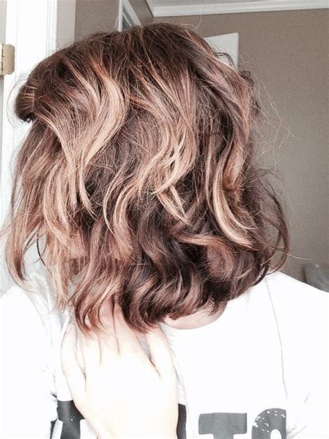 beachy waves for short gair with remington wand bubble wand curls on short hair loving the bubble wand