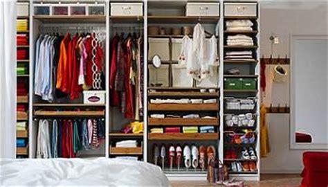 guardarropa de juguete personaliza tu armario con ikea