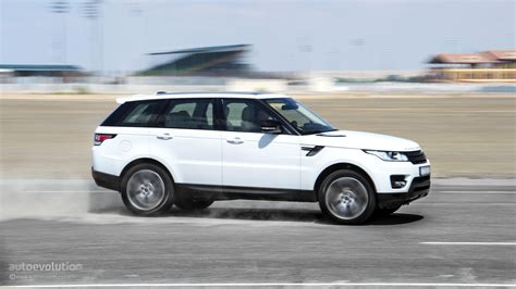 2015 range rover wallpaper range rover sport supercharged in dubai s desert hd