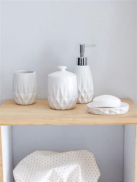 distributeur de savon salle de bain distributeur de savon c 233 ramique design et origami