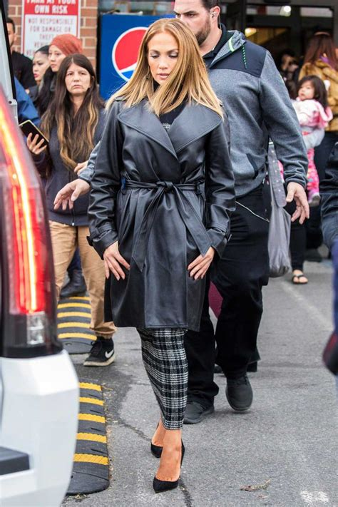 what type of foundation does j lo wear j lo s on trend fall outfit is so easy for women over 40