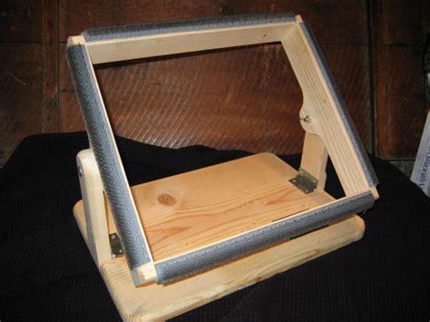 make rug hooking frame rug hooking frames to make rugs ideas