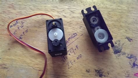 Lu Philips Motor Vixion simple arduino line follower parts assembling and