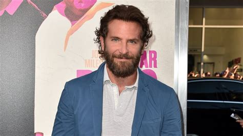 bradley cooper war dogs bradley cooper explains his war dogs look hi newspapers