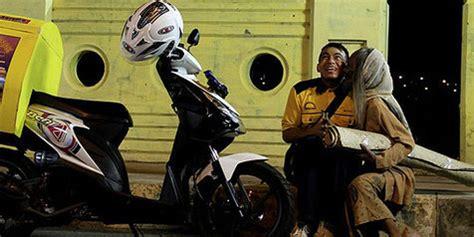 pemeran di film nenek gayung ody mulya judul nenek gayung catchy banget kapanlagi com