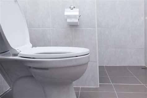 bathroom habits unhealthy bathroom habits you need to stop immediately