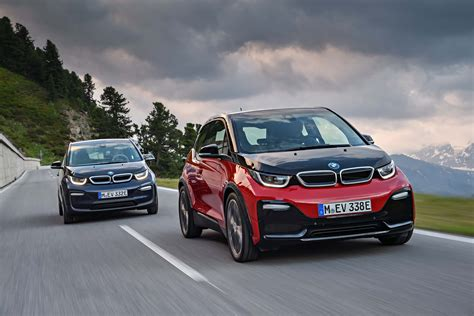 bmw  electric car range adds sportier  version
