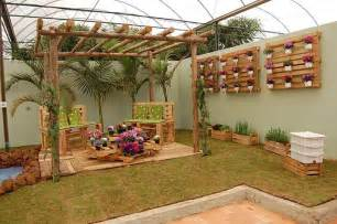 garden decoration made from recycled wood home design