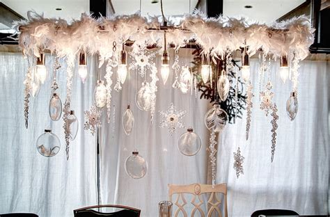 How To Decorate Your Living Room 21 christmas dining room decorating ideas with festive flair