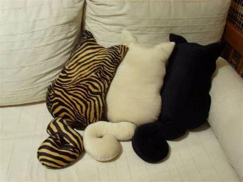 Cat Pillow by Cat Looking Decorative Pillows Home Design Garden
